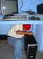 Henry lernt die diversen Stecker einer Festplatte kennen